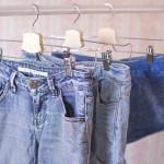 Najczęstsze problemy z ubraniami i ich rozwiązania: dżinsy