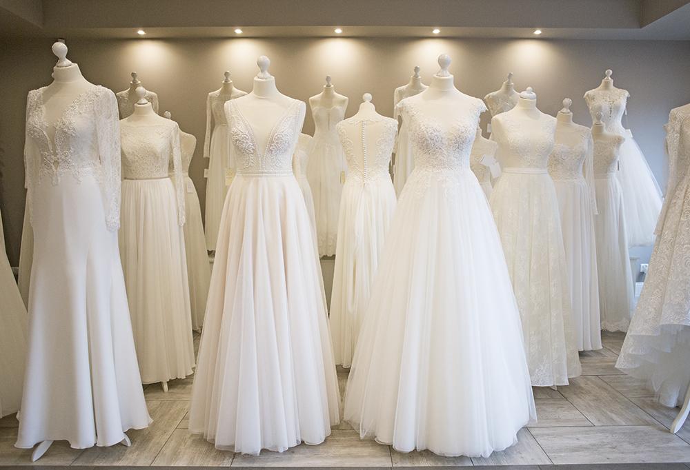 066e7bf756 Praca w salonie sukien ślubnych od kuchni - pytania i odpowiedzi