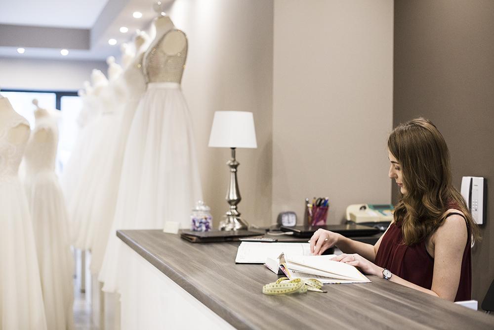 3c75115f36 Praca w salonie sukien ślubnych od kuchni - pytania i odpowiedzi